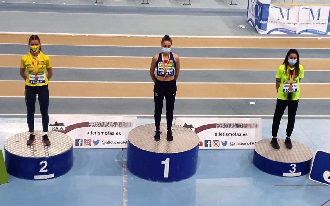 Inés Arqued se cuelga la plata en el nacional sub20 en pista cubierta
